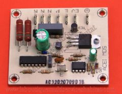 Carte électronique pour bouton à effleurement